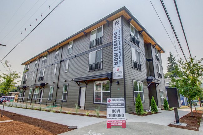 SOLD! New Construction, 12 Units, Sellwood:  $3,150,000