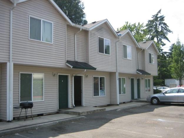 SOLD!  12 Apartment Units, SE Portland, Oregon:  $1,250,000