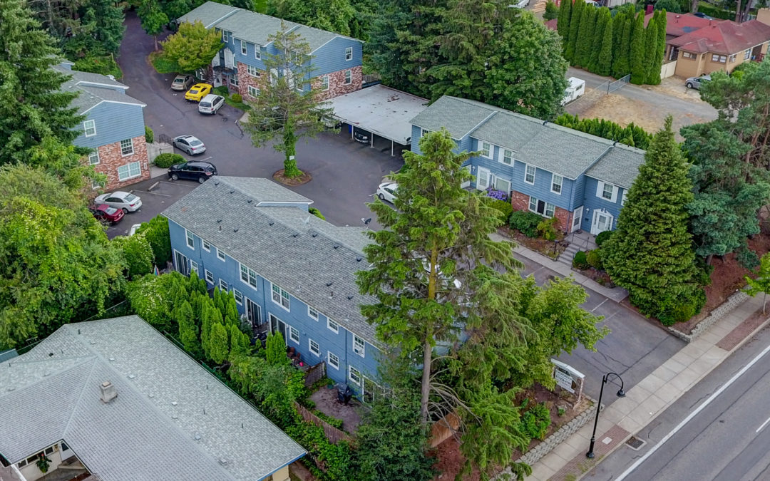 New Apartment Listing:  19 Units, 890 NW Division Street, Gresham, Oregon: The Colonial Heights Apartments: $3,600,000