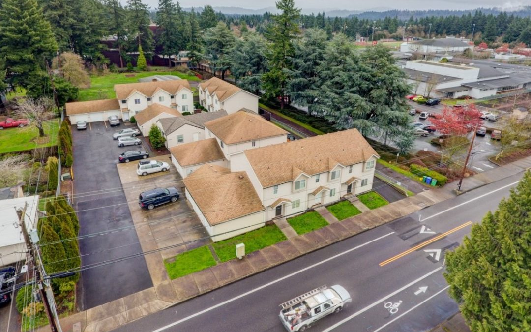 NEW LISTING:  12 Units, 1999 Year Built, SE Portland:  $2,500,000