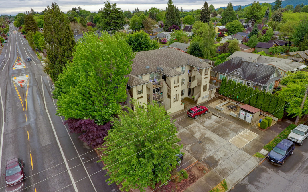 SOLD!  Fessenden Court Apartments, Portland, Oregon:  $860,000