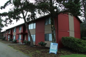 Valley View Apartments for sale in Longview, Washington, listed by Bernard Gehret